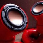 Pegada steampunk das caixas acústicas com tubos de PVC
