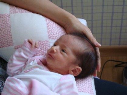 quanto tempo dorme um recém-nascido