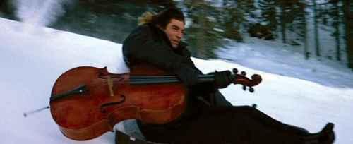 Viaggio da Parigi a Perugia in violoncello