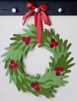 Χειροποίητο χριστουγεννιάτικο στεφάνι από χαρτί