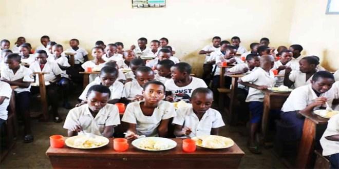 RDC: Le PAM appui le Gouvernement pour la mise en œuvre des cantines scolaires