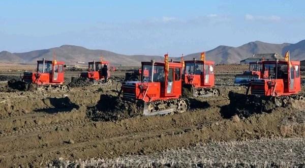 1 - On élargit la superficie de la terre arable