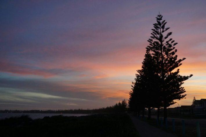 Esperancen auringonlaskut ja taivaan värikirjot olivat huikeata nähtävää lähes joka päivä