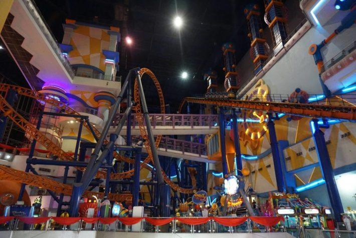 Hotelli -ostarikompleksista löytyy myös Aasian suurin sisähuvipuisto