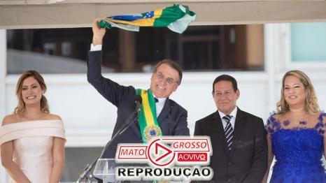 Bolsonaro lutou contra tudo e contra todos que estavam no poder e venceu com mais de 70% de aprovação popular.