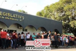 Professores de Alta Floresta atendem comando de greve estadual e paralisam atividades escolares por 24 horas 53