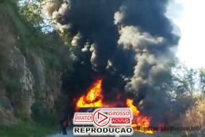 Acidente violento com explosões entre carretas interrompe trecho entre Rondonópolis e Cuiabá 85