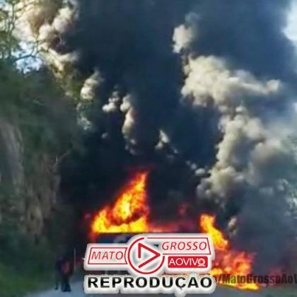 Acidente violento com explosões entre carretas interrompe trecho entre Rondonópolis e Cuiabá 105