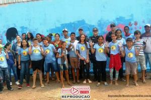 Ação inédita da PM em Alta Floresta surpreende alunos que pintavam muros pichados de escola 65