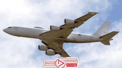 """Avião da Marinha Americana, E-B6 Mercury, que resistiria até ao fim do mundo é """"abatido"""" por um pássaro 20"""