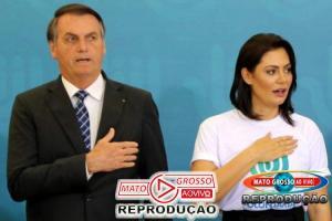 """Bolsonaro: Brasil tem um governo que """"valoriza a família e adora a Deus"""" 49"""