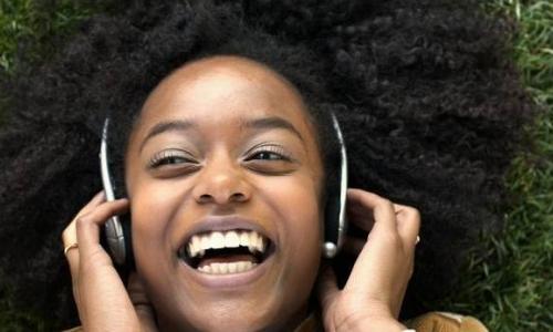Confira 10 músicas para iniciar dia de trabalho produtivo