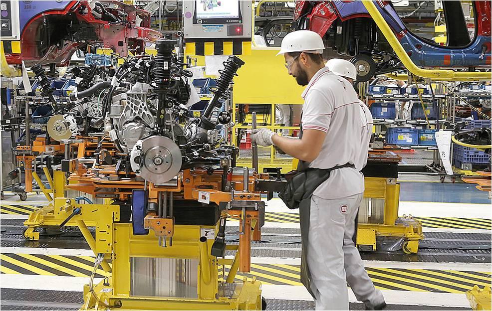 Indústria encerra o ano mais confiante e indicador melhora em dezembro