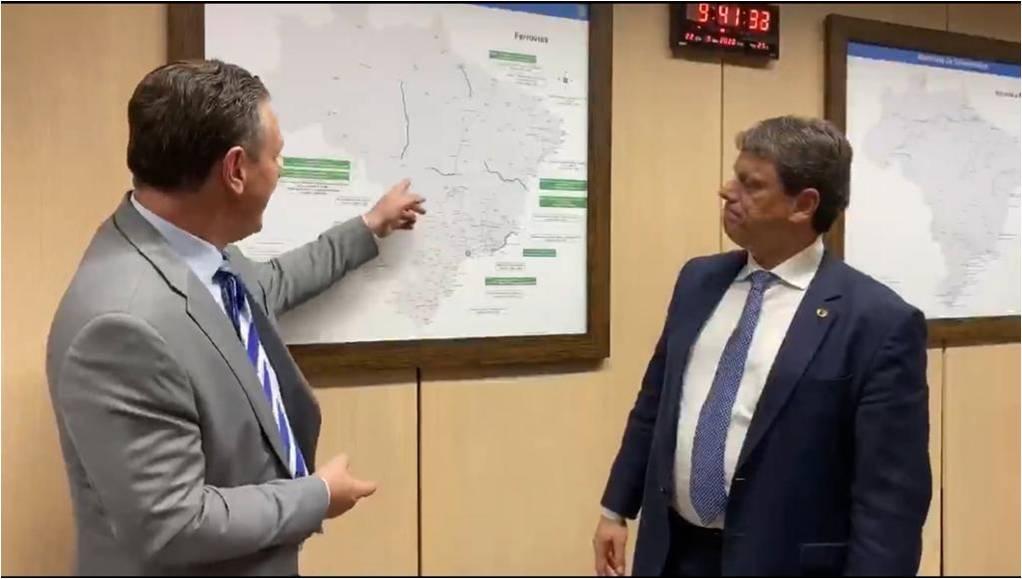 Ministro reafirma intenção de trazer ferrovia a Cuiabá e pede apoio de Fávaro no Senado