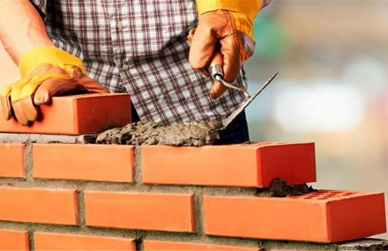 Trabalhadores da construção civil recebem reajuste salarial de 8%