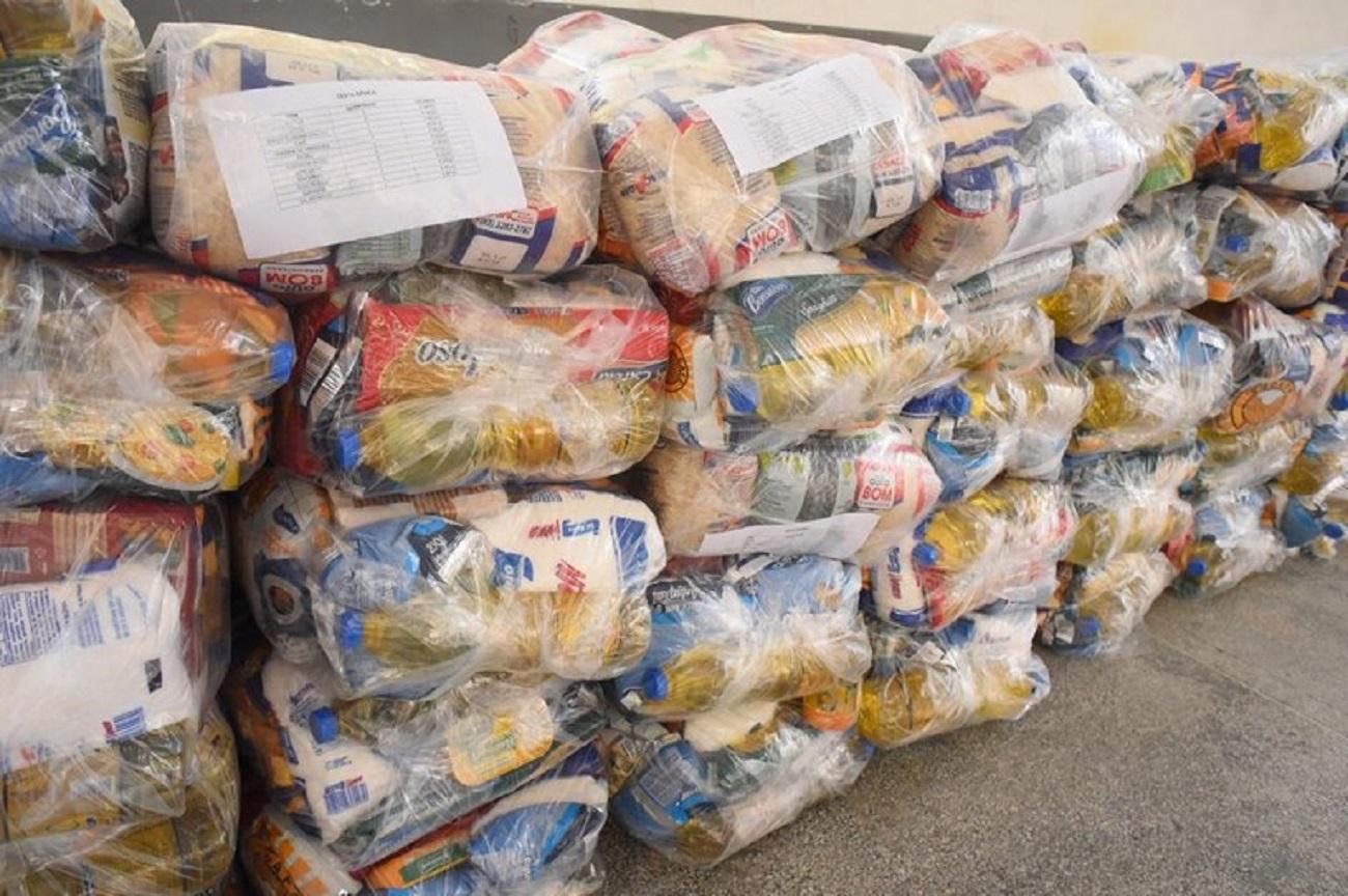 Parceria entre AL e Aprosoja vai beneficiar população com doação de cestas básicas