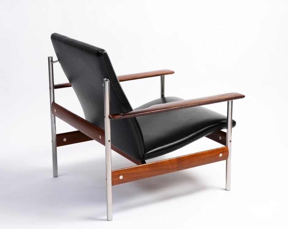 Sven Ivar Dysthe. Armlenestol. Modell 1001. Produsert av Dokka Møbler. Tegnet i 1959. I produksjon fra 1960. (Dysthe Design)