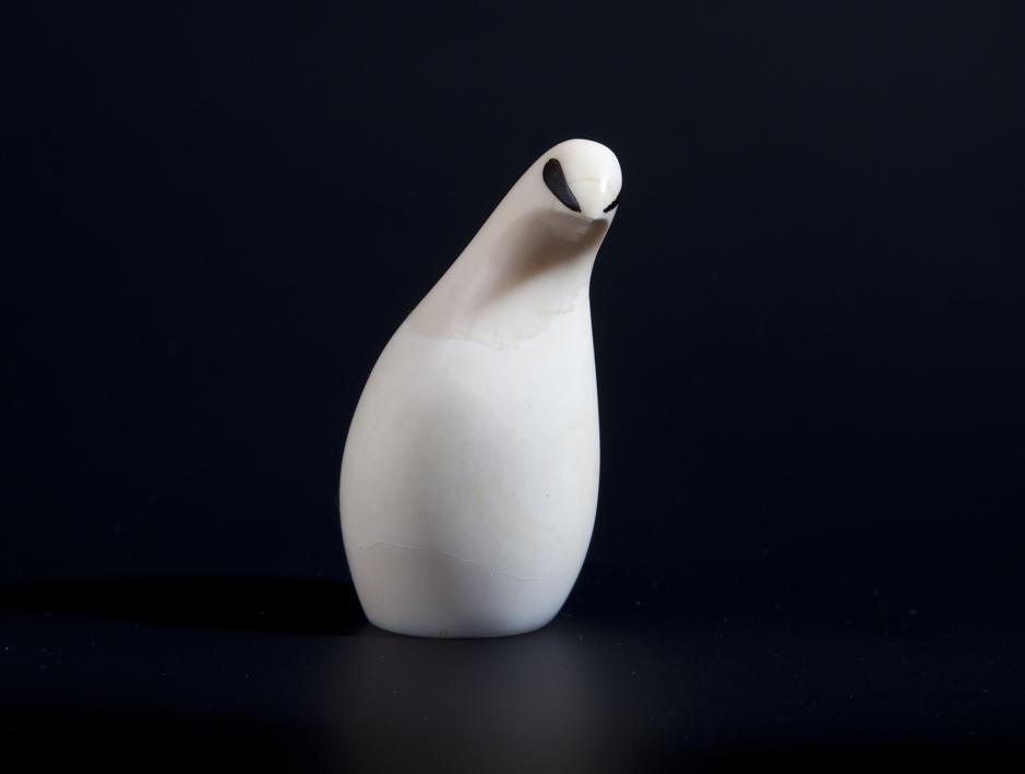 Arne Tjomsland. Fjellrype. Produsert ved Goodwill Produkter. Tegnet i 1957. Premiert med sølvmedalje ved Triennalen i Milano 1960. (Foto: Mats Linder)
