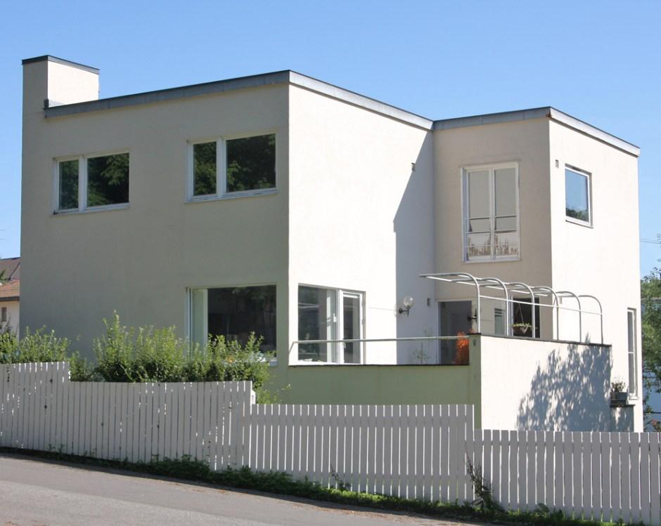 Hermann Munthe-Kaas og Gudolf Blakstads enebolig i Fredrikstad var inspirert av tysk modernisme i Bauhaus-skolens ånd. (Foto Mats Linder)