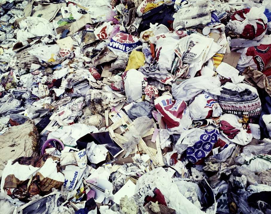 Søppelberg med plastposer. (Foto: Atelier Rude / Oslo Museum)