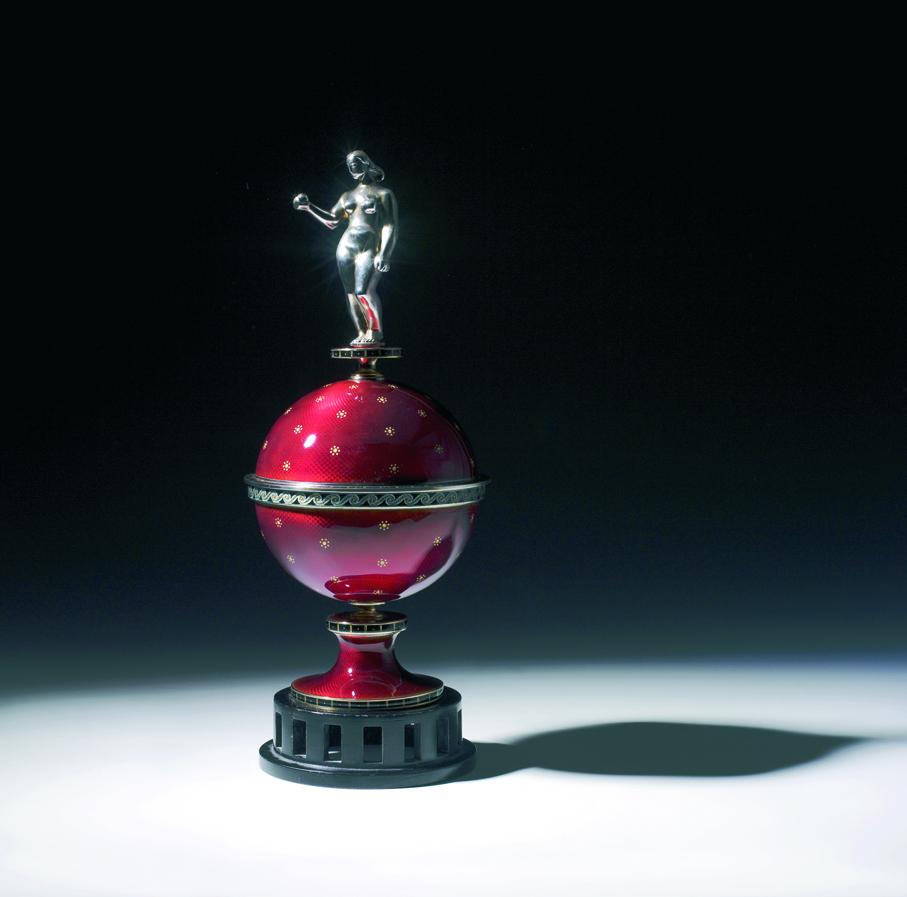 Thorbjørn Lie-Jørgensen. Pokal. Utført ved David-Andersen. Ca. 1930. (Foto: Blomqvist Kunsthandel)