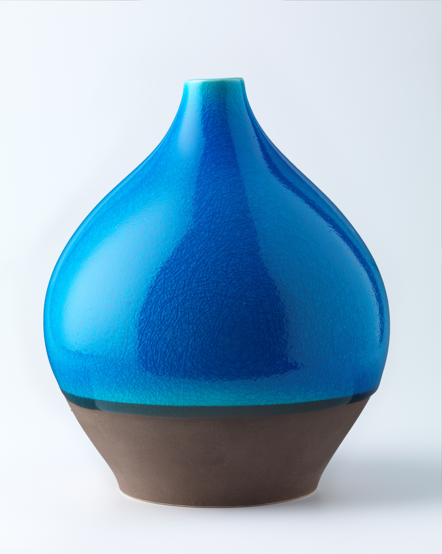 Eystein Sandnes. Vase. Steingods. Ca. 1955-57. (Foto: Nasjonalmuseet / Frode Larsen)