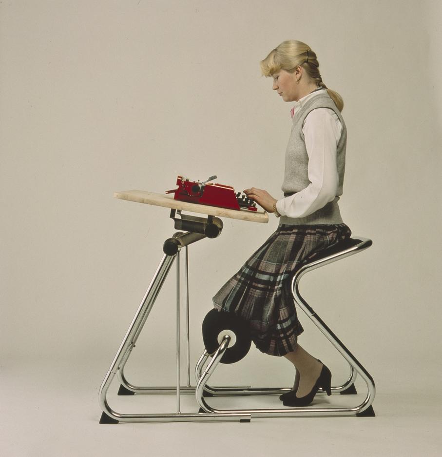 Svein Gusrud. Balans sittekonsept Hans Chr. Mengshoel. Arbeidsstol. Balans Activ - Senior. Produsert av HÅG. I produksjon fra 1982. (Foto: HÅG)