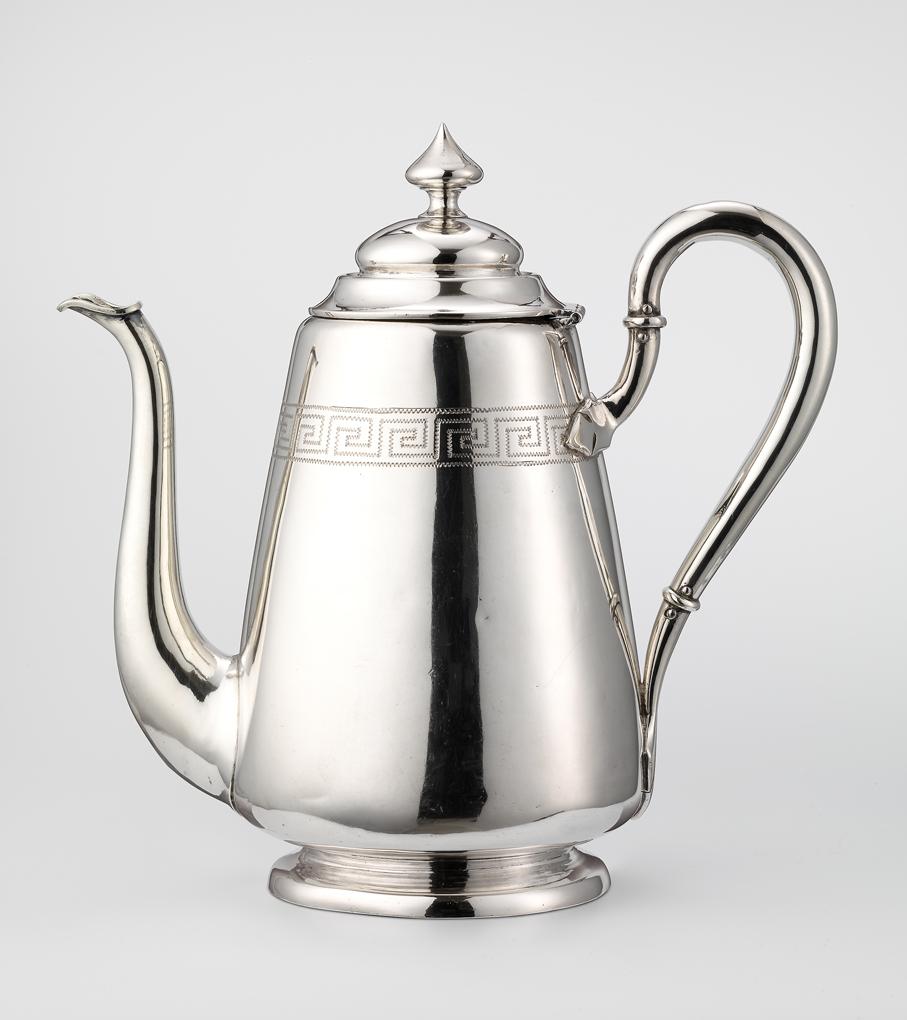 Kaffekanne. Sølv. Utført ved N. M. Thune. 1975. (Foto: Nasjonalmuseet / Frode Larsen)