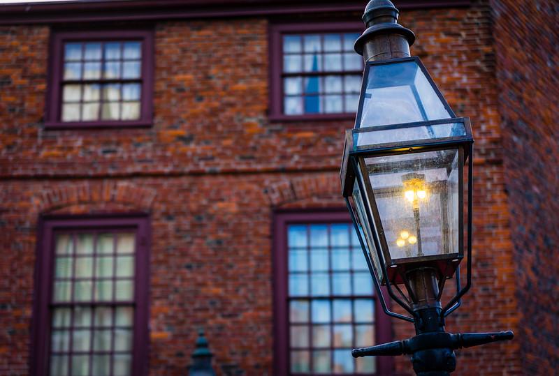 Gas Lantern - North Square.ARW