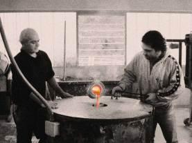 Matteo e suo padre al lavoro in fonderia
