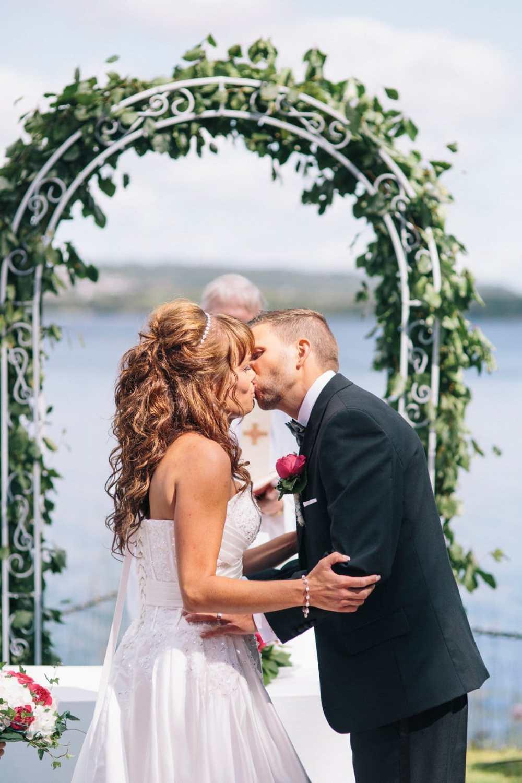 bröllop kyss