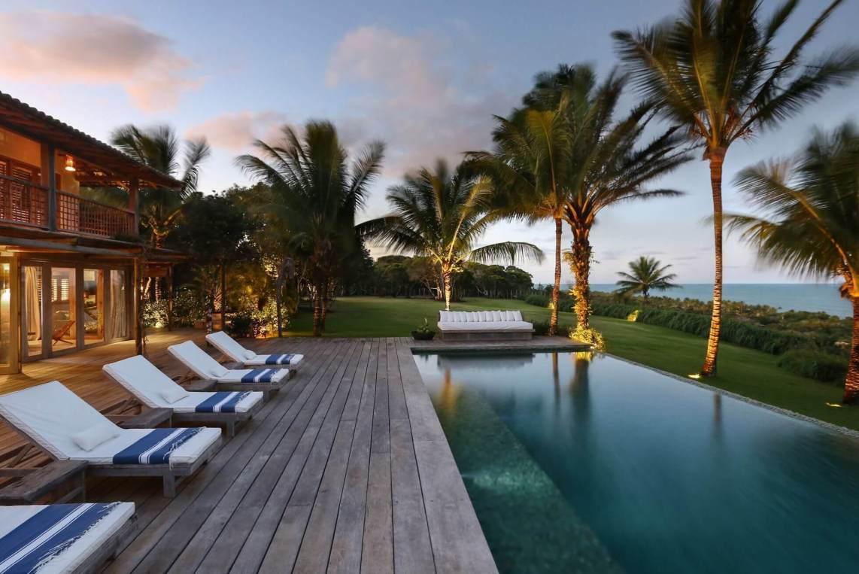 Carrossel aluguel de casas de luxo Villa21 em Trancoso Bahia 2