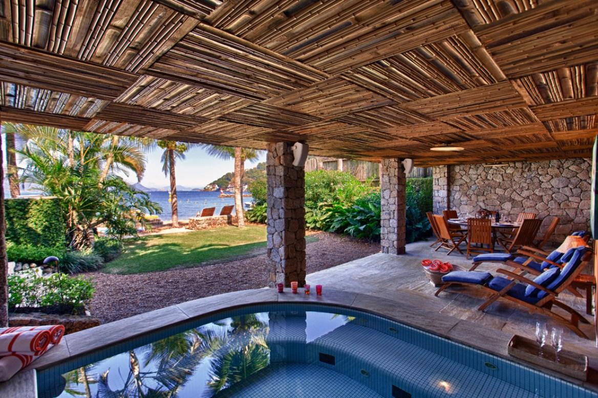 Carrossel aluguel de casas de luxo Villa05 em Angra dos Reis Rio de Janeiro 12