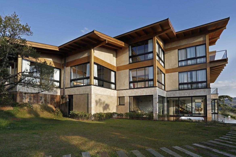 Carrossel aluguel de casas de luxo Villa05 em Campos do Jordão Sao paulo 2