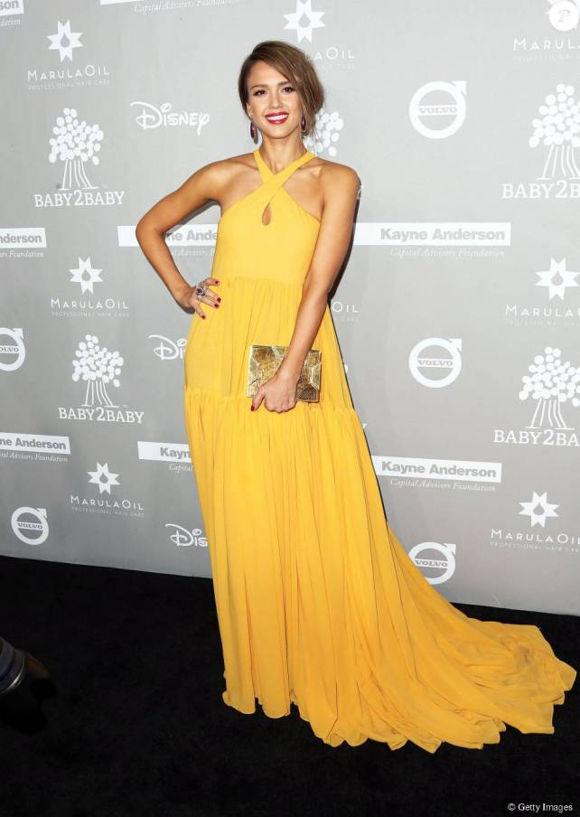 Jessica Alba veste Giambattista Valli