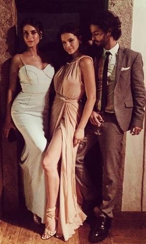 Thaila Ayala, Bruna Marquezine e Andre Nicolau-no-casamento-sophie-e-daniel