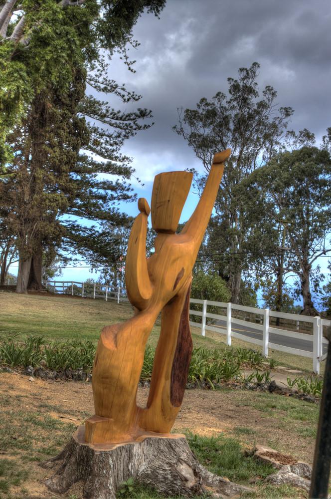 photo of King Kalakaua in the Hula Circle by Tim Garcia, Maui Sculpture