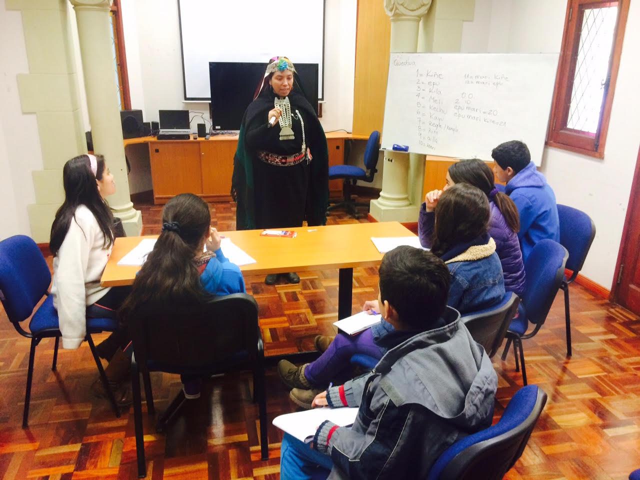 Centro Cultural Municipal de Talca realizó actividad para que los jóvenes conozcan más sobre la cultura mapuche