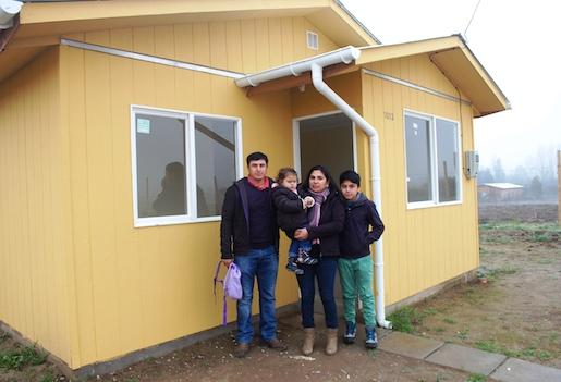 Inauguran viviendas para  familias  que esperaron 17 años su casa propia