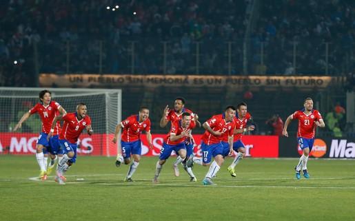 Pasado y presente en el Nacional: fotógrafo chileno capturó la foto más emotiva de la Copa América