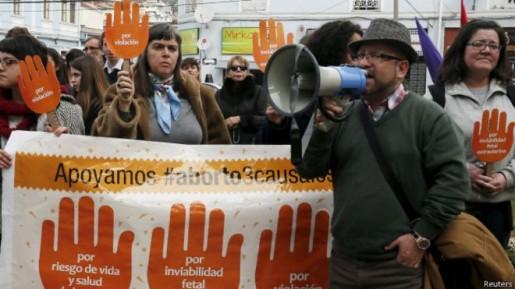 Chile da el primer paso hacia la despenalización del aborto