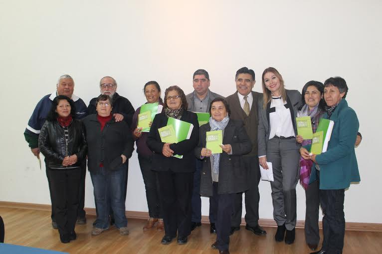 Dirigentes de la Provincia de Linares recibieron guía con beneficios Sociales y oferta programática gubernamental
