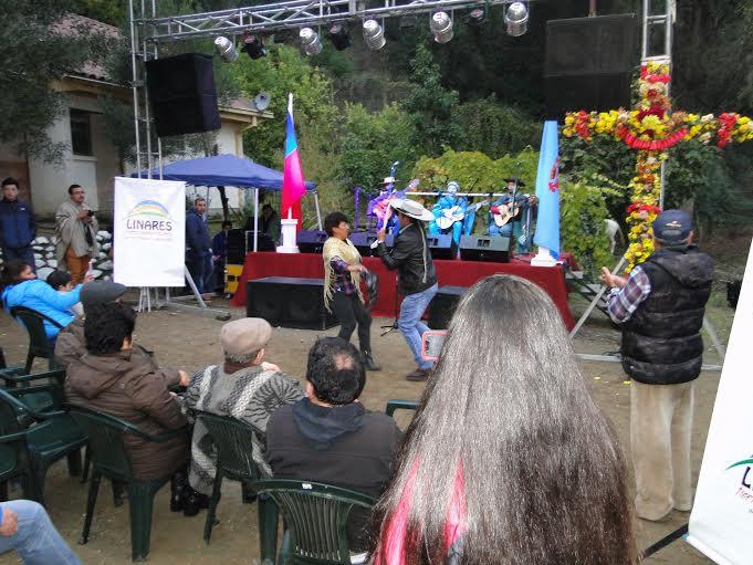 Reviven tradicional Fiesta de la Cruz de mayo en El Peñasco