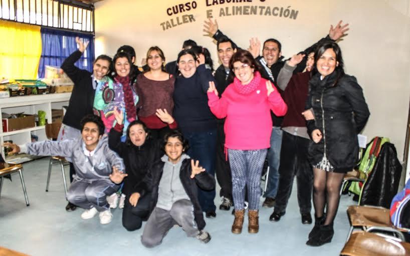 En Linares jóvenes en situación de discapacidad aprenden el oficio de Proceso de Packing a través de +Capaz