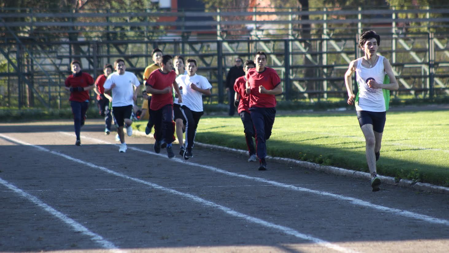 Liceo Manuel Montt organiza Primer Campeonato de Atletismo en Pista