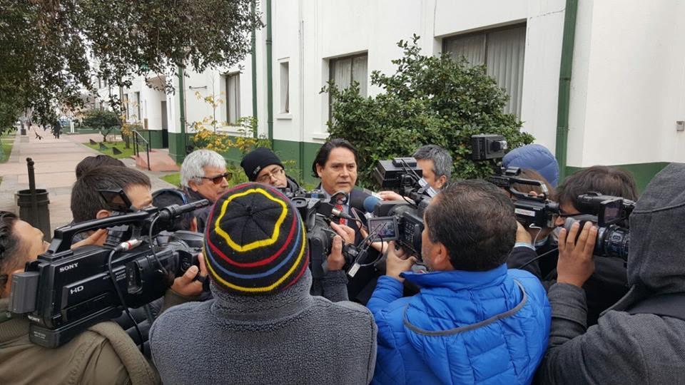 Gobernador Vega criticó silencio de carabinero secuestrado