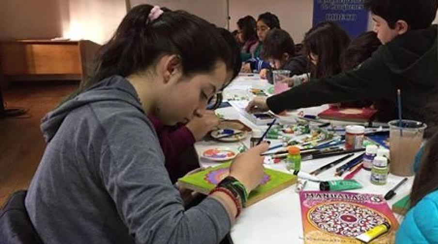 Positiva respuesta de niños a taller de mandalas en Casa de la Cultura Cauquenes