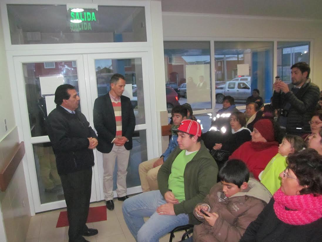 Pacientes del CECOSF Villa Francia reciben sus lentes