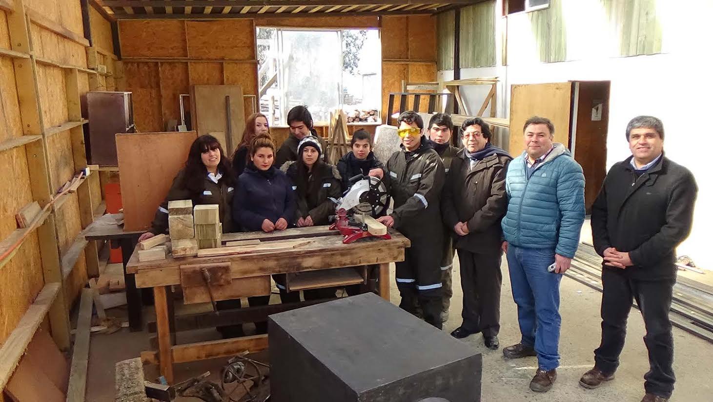 Inédito proyecto de estudiantes para construir y vender casas de madera en Curepto
