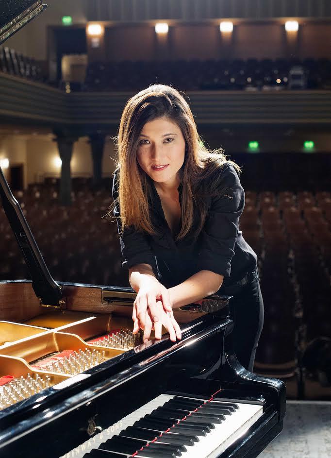Pianista Suiza se presentará en Universidad de Talca